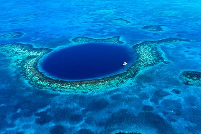 Blue Hole diving Belize