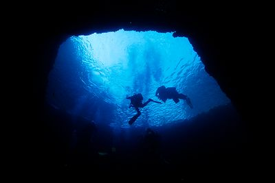 blue hole scuba diving