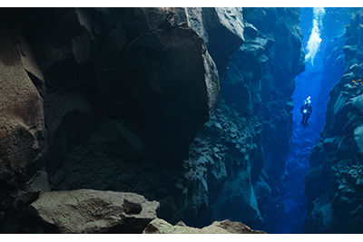 dive tectonic plates