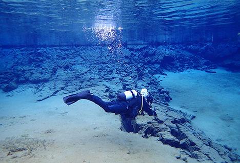 scuba diving, Iceland
