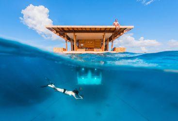 manta_underwater_room_above_and_under