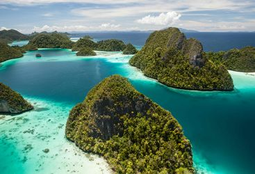 Raja Ampat Lagoons