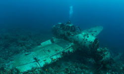 airplane wreckage diving sight