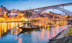 Porto bridge and boat