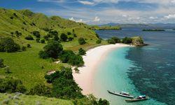 Komodo Coastline, Indonesia