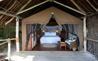 Picture of private bedroom lodge at Fundu Lagoon