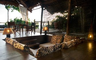 Picture of the sunken lounge area on the terrace at Fundu Lagoon