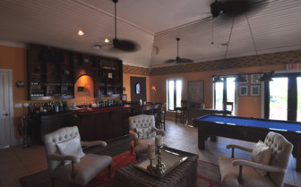 Picture of the bar and lounge at Fowl Cay