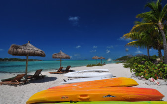 Picture of kayaks at Fowl Cay