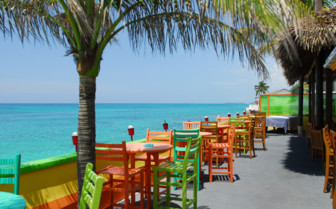 Picture of dining at Compass Point Beach Resort
