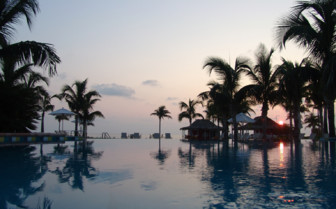 Picture of the pool at Old Bahama Bay Resort