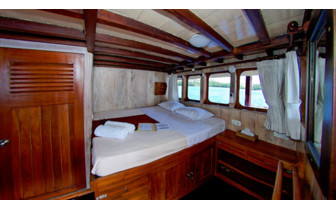 Picture of a cabin onboard the Seven Seas