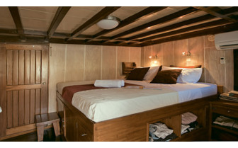 Picture of the double cabin onboard the Seven Seas