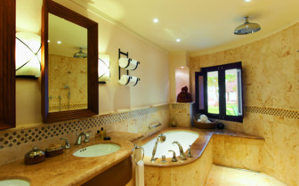 Bath Suite at the Belmond Maroma Resort & Spa