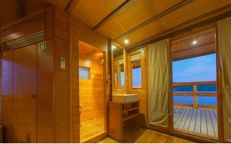 Damai_cabin_bathroom