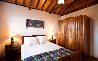 Alto cottage double bedroom