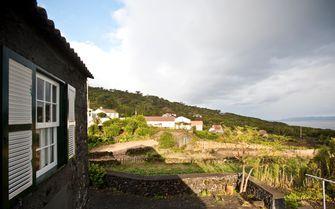 Moega cottage setting