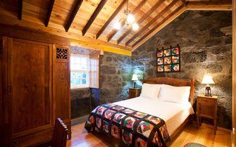 Montanha cottage double bedroom