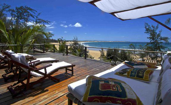baia sonambula luxury hotel africa