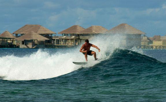 surfing laamu atoll
