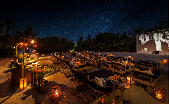 hotel outdoor cinema