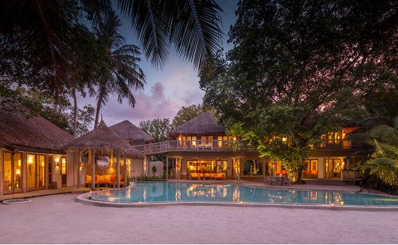 villa exterior shot