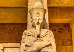 statue hatshepsut