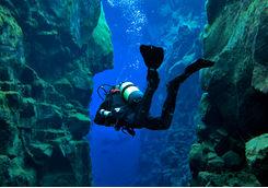 diving silfra fissure