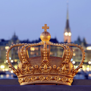 stockholm-crown-river