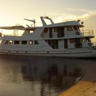 Tupaiu Private Yacht
