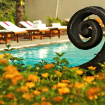 Pool at Ananda Himalayas, luxury hotel in India