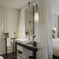hotel_des_arts_room