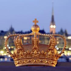 stockholm-crown-river