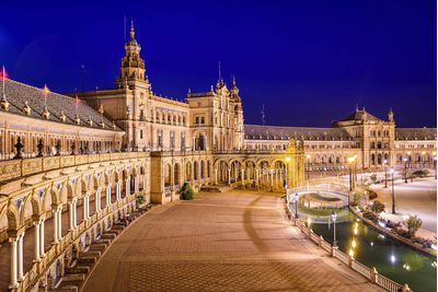 Plaza de España by night