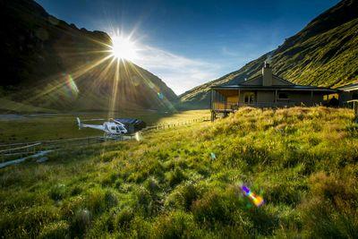 Alpine-lodge-new-zealand