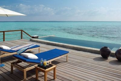 Four Seasons private villa sundeck