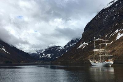 Fjord sailing