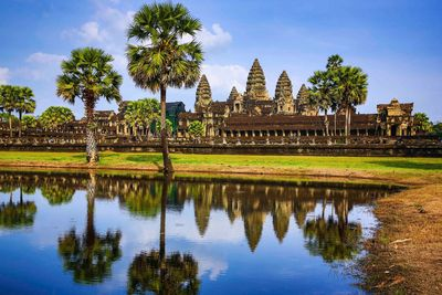 angkor reflection sunshine