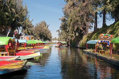 xochimlico boats