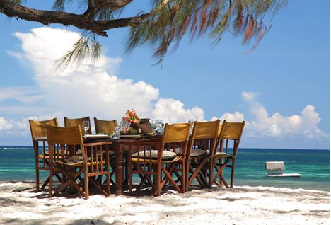 Kinondu Kwetu beach dining area