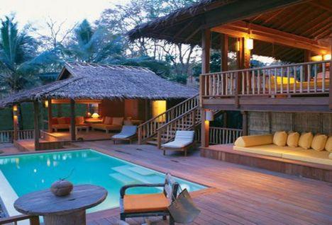 Pool villa suite exterior photo