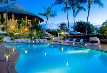 The pool at night at Hotel Wailea, luxury hotel in Hawaii
