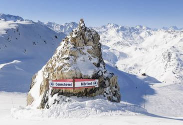Sign on the pistes in the Three Valleys