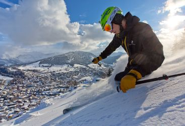 Powder_skier_up_close_Megeve_Tourisme_Daniel_Durand