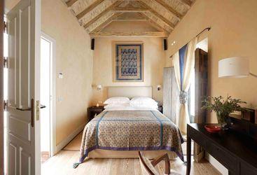 Blue Room at Corral del Rey