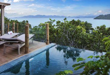 Treetop pool villa