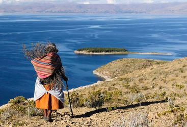 Bolivian woman by Lake Titicaca