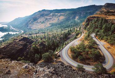 Rowena Crest road in Oregon