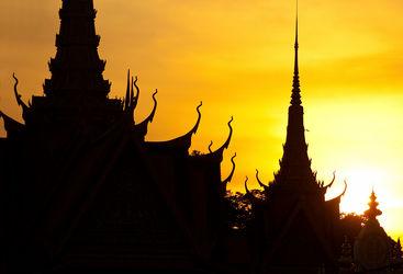 Phnom Penh Palace silhouette