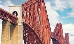 A picture of Edinburgh's Forth Rail Bridge